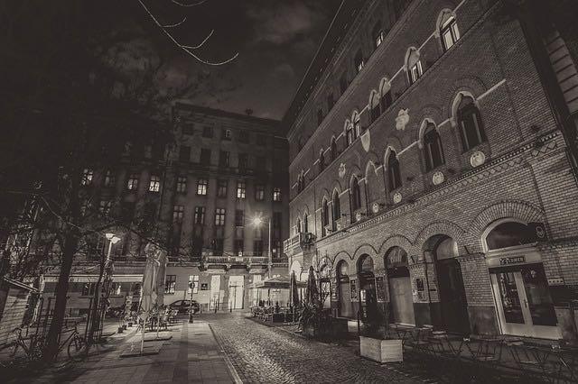 budapest-nuit-2143193_640