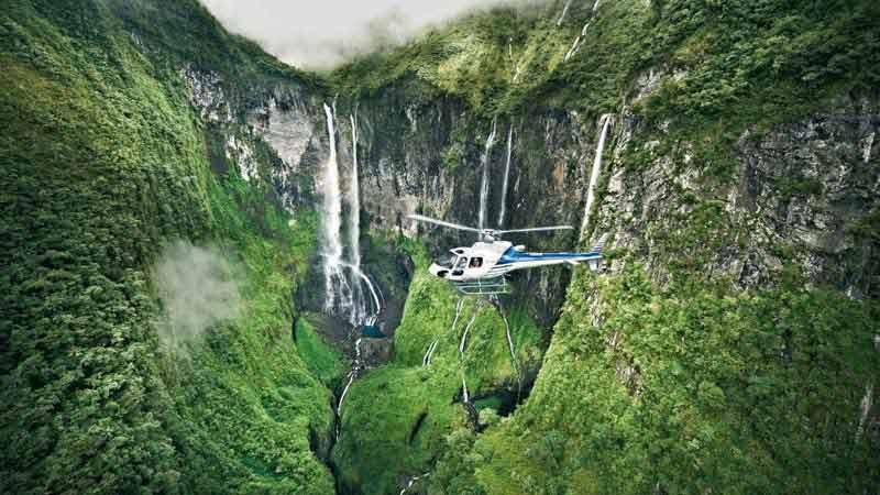 la-reunion-en-helicoptere1